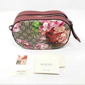 Gucci Gg Supreme Blooms Canvas Cross Body Bag
